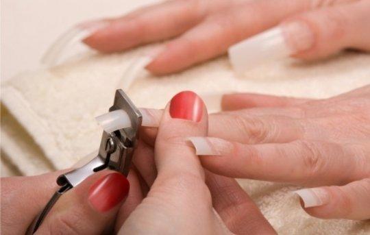 Как снять нарощенные ногти с акрилом.