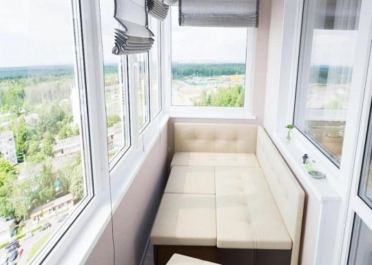 Застекление балкона: достоинства и недостатки